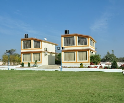 Ravindra Resorts,Hyderabad